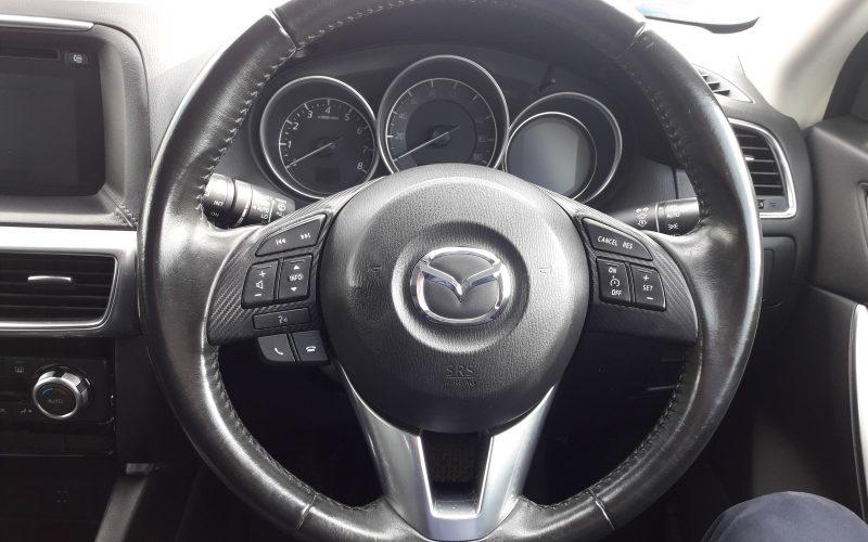 CX5_SteeringWheel